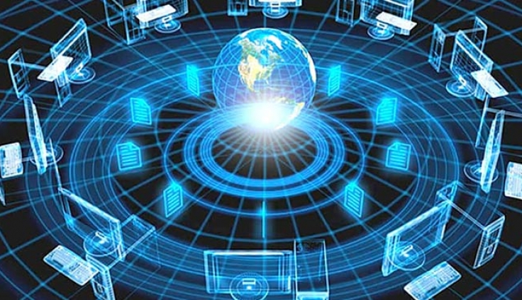 How are Electronic gadgets handling the information in Information Technology?